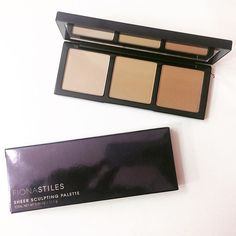 Bought a new contour palette today @fionastiles sheer sculpting palette in light/medium and its my favorite contouring palette ever!  New holy grail product!