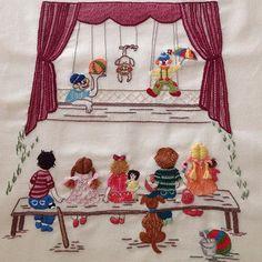 Günaydın...Hayatımızda küçük mutluluklarımız hiç eksik olmasın...#günaydın #goodmorning #handmade #embrodery #children #elişi#nakış #dekoratifnakış #küçükşeyler #küçükmutluluklar #tiyatro #kukla# Embroidery Hoop Crafts, Silk Ribbon Embroidery, Embroidery Fashion, Hand Embroidery Designs, Cross Stitch Embroidery, Embroidery Patterns, Doll Quilt, Textile Art, Baby Quilts