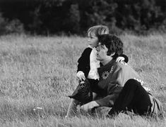 The Beatles Story's photo: 'Hey Jude' was written by Paul for Julian Lennon. Ringo Starr, George Harrison, Paul Mccartney, Julian Lennon, The Magical Mystery Tour, Liverpool, Beatles Love, Sir Paul, John Paul