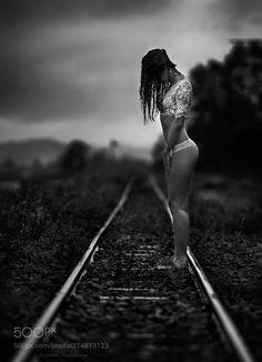 Boudoir Photography Poses, Body Photography, White Photography, New Foto, Silhouette Photography, Jolie Photo, Photo Poses, Sensual, Outdoor