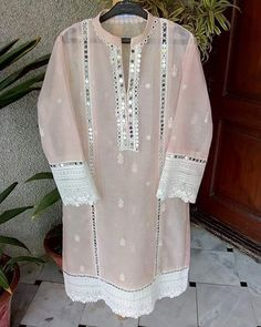 Best 12 in love with this colour – SkillOfKing. Pakistani Party Wear Dresses, Simple Pakistani Dresses, Pakistani Fashion Casual, Pakistani Dress Design, Fancy Dress Design, Stylish Dress Designs, Stylish Dresses, Sleeves Designs For Dresses, Dress Neck Designs