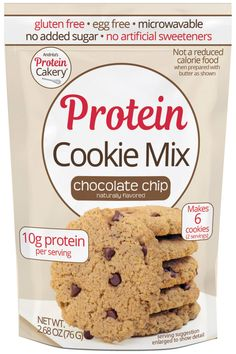 Freshly baked chocolate chip protein cookies are the best! Easy to make with dairy or nut butter and water. Chocolate Pastry, Chocolate Recipes, Chocolate Chip Cookies, Protein Cake, Protein Cookies, Egg Free Cookies, Cookies Et Biscuits, Clean Eating Snacks, Healthy Snacks