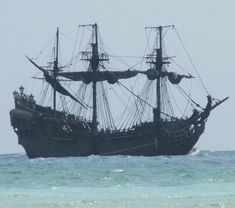 """""""If England had not used the services of privateers and pirates during its long struggle with Spain, there is some likelihood that people today in North America would be speaking Spanish rather than English."""" ― Robert Earl Lee, Blackbeard the Pirate"""