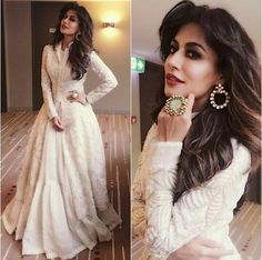 Checking out bollywood fashion and more - the fashion and passion of bollywood is the pride of newindia. CLICK Visit link for more info - Bollywood Fashion Indian Gowns, Indian Attire, Pakistani Dresses, Indian Wear, Indian Outfits, Fashion In, Indian Fashion, Fashion Dresses, Style Fashion