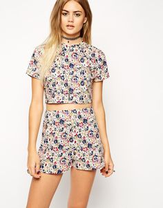 ASOS+Reclaimed+Vintage+Crop+Top+with+Collar+in+Red+Pansy+Print