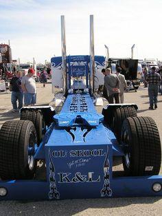 Mid-America Truck Show (Old School Truckin)