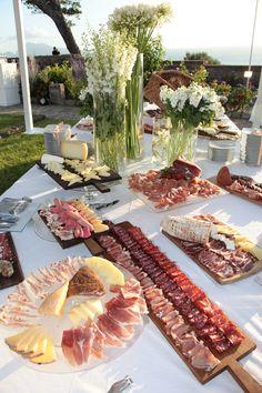 Buffet di salumi e formaggi. Qualità dop!