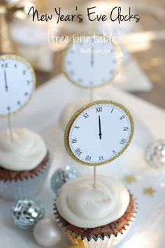 cupcake toppers to Celebrate New Year's Eve with this free printable - midnight clocks - via NoBiggie.net
