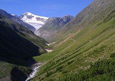 Zu Fuß auf dem E5 die Alpen überqueren! Eines der schönsten und abenteuerlichsten Dinge die ich je getan habe.. Dieser herrliche Weg führt uns zur Grenze nach Italien..