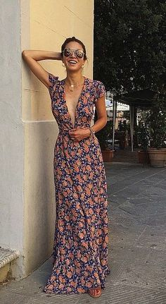 A floral print dress? Yes please!
