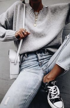 grey crewneck sweaters + levis 501 skinny jeans + converse chuck taylors | womens fashion | outfit ideas #ootd