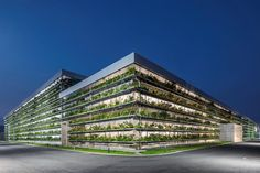 Jakob Factory | G8A Architecture & Urban Planning Tropical Architecture, Sustainable Architecture, Architecture Details, Parque Industrial, Industrial Park, Factory House, Arcology, Factory Architecture, Green Facade
