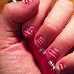 Stripe and glitter nails