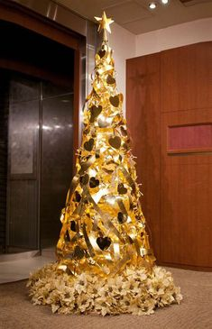 Resultado de imagen para designer christmas tree