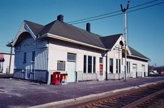 CN Newmarket Station. Ontario c1976 Train Stations, Abandoned Places, Small Towns, Ontario, Trains, Buildings, Mansions, American, House Styles