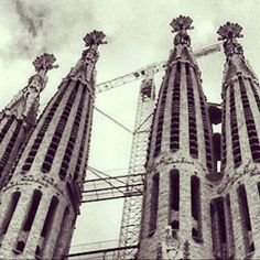 Celebrating Antoni Gaudi's 161st birthday / Celebrando el 161 aniversario del nacimiento de Antoni Gaudi #barcelona #gaudi #antonigaudi #gaudiart #sagradafamilia #modernismo #catalunya #españa #spain #espagne #spagna #architecture #blackandwhite #birthday
