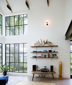 Image 11 of 17 from gallery of Garden Street Residence / Pavonetti Architecture. Photograph by Amanda Kirkpatrick