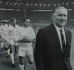Bill Nicholson leads the team out for 1967 fa Cup final Bill Nicholson, Tottenham Hotspur Football, Spurs Fans, White Hart Lane, Harry Kane, Football Team, Football Stuff, Fa Cup Final, North London