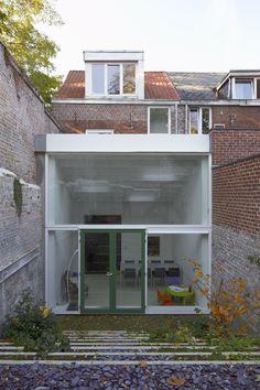 Minimalist House Design, Minimalist Home, Inside Outside, Grand Designs, House Extensions, Art Deco Design, Interior And Exterior, Facades, Loft
