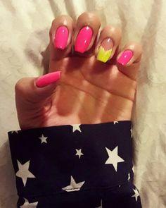 Neón nails pink yellow