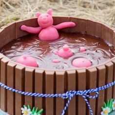 Credit : These cakes are so gorgeous, that we can hardly bear it! Take a look at the gallery of the most chocolate cakes pictures Chocolate Cake Pictures, Chocolate Cakes, Diy Cake, Us Foods, Nutella, Oreo, Donuts, Blueberry, Cake Decorating