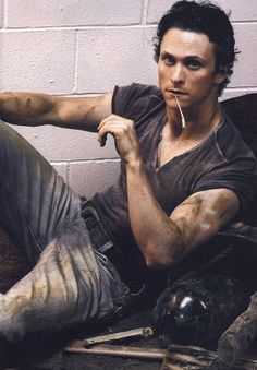 Jonathan Tucker, who showed up on Hannibal as a creepy-yet-alluring acolyte killer who might be the only person crafty enough to sneak up on the titular murder wizard himself. Not to mention his ridiculous six-pack. A+ to you, Mr. Tucker. A friggin' plus.