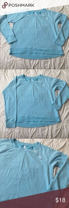 GAP fit Blue Long Sleeve Sweatshirt Zip Shoulder GAP fit Blue Athletic Workout Long Sleeve Sweatshirt Zip Shoulder size Medium - minor pulling due to wear, still in great condition! Reflected in price  ---- 🚭 All items are from a non-smoking home. 👆🏻Item is as described, feel free to ask questions. 📦 I am a fast shipper with excellent ratings. 👗I love bundles & bundle discounts. Feel free to make an offer! 😍 Like this item? Check out the rest of my closet! 💖 Thanks for looking! GAP…