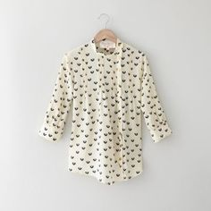Lauren Moffat Woodstock Pintuck Top: I love that the buttons are not in the center!