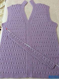 36 Women Vest Knitting Models You Will Want to Knit Immediately - Kqbqkcekideyi - Baby Knitting Patterns, Bag Patterns To Sew, Knitting Designs, Knitting Videos, Easy Knitting, Knit Vest Pattern, Knitted Coat, Crochet Baby Booties, Raglan