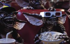 26 Jahre nach Gremlins 2 warten wir immer noch auf die Rückkehr der kleinen Monster! Jetzt verrät der Hauptdarsteller von damals: Es steht was an und wir kennen sogar schon die ersten Ideen der Geschichte! Gremlins 3 Kinofilm in Arbeit ➠ https://www.film.tv/go/35995  #Gremlins3 #Gremlins #ZachGalligan
