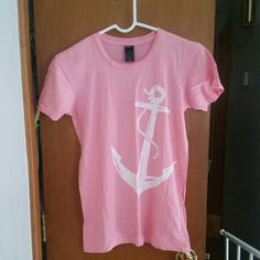 Pink block island anchor tee Size medium Large anchor screen print Short sleeve Block island anchor on left sleeve Pink Tops
