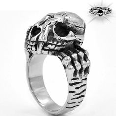 """""""Chomper' Skull Stainless Steel Ring w/ Opening Mouth Skull Jewelry, Gothic Jewelry, Jewelry Rings, Rings Cool, Unique Rings, Poison Ring, Ozzy Osbourne, Gothic Steampunk, Skull Design"""