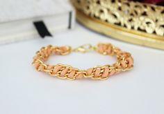 diy armband kette verzieren gold wildleder band flechten