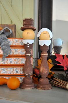 Candlestick Pilgrims- Sassy Sanctuary (Wood you like to craft? Thanksgiving Wood Crafts, Fall Wood Crafts, Autumn Crafts, Thanksgiving Decorations, Holiday Crafts, Holiday Fun, Fall Decorations, Holiday Ideas, Thanksgiving Favors