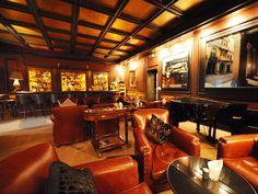 Cigar Lounge / Bar - if only I could have a finished basement of this size. Whisky Bar, Whiskey, Gentlemans Lounge, Shed Interior, Room Interior, Cigar Shops, Cigar Room, Secret Rooms, Man Room