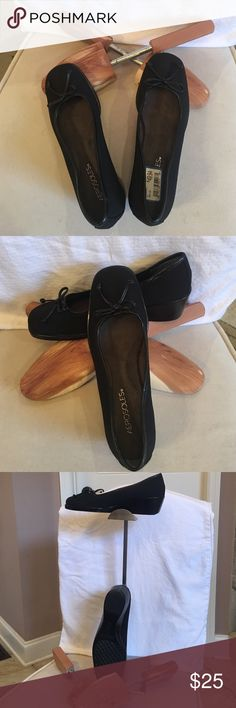 "Loafer type shoes. Cute & Comfy NWT Aerosoles. Never worn. Black with a wedge like like that measures 2"" at the Heel & 1/2"" at the foot. Has leather black piping around the shoe & cute leather black bow @ the top. AEROSOLES Shoes Wedges"