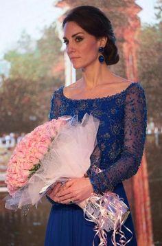 Gardrop Kedisi: Kate Middleton: Jenny Packham Mavi Elbise