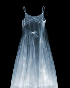 X-ray artworks / Molly's Dress, July 2012 C-Type Print 1189 x x Edition of 5 / artist: Nick Veasey Photography Projects, Fashion Photography, Camera Shots, Mademoiselle, Through The Looking Glass, First They Came, Life Tattoos, Oeuvre D'art, Cheap Dresses