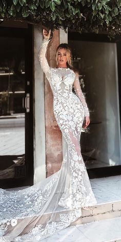 mermaid wedding dresses with long sleeves lace floral appliques pallas couture Pallas Couture, Perfect Wedding Dress, Dream Wedding Dresses, Wedding Gowns, Long Sleeve Wedding, Wedding Dress Sleeves, Dress Lace, Dresses Elegant, Beautiful Dresses