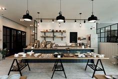 주방 디자인 검색: 하루키친 당신의 집에 가장 적합한 스타일을 찾아 보세요 Dream Studio, Cafe Interior, Industrial Chic, Store Design, Office Furniture, Architecture, Kitchen, Table, House