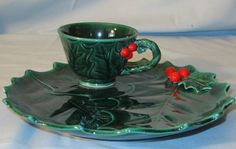 Lefton Holly and Berry Snack Set