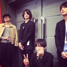 [Alexandros]2015/4/26 東京トークショー終了。楽しかった!来てくれた人ありがとう。新曲3曲チラ聴かせしましたがいかがでしたか?次は大阪お楽しみに。洋平