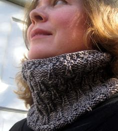 Free Knitting Pattern - Cowls and Neck Warmers: Shelter Valley Cowl