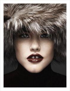 with MIssoni hat Gap Teeth, Perfect Teeth, Smile Teeth, Big Noses, Mind The Gap, Body Hacks, Zara Fashion, Winter Beauty, Pretty Face