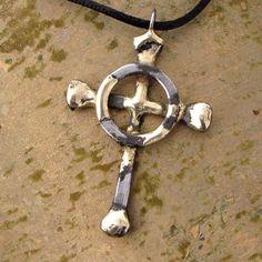 Items similar to Celtic Cross Necklace, Horseshoe Nails, Rustic Jewelry on Etsy Horseshoe Nail Art, Horseshoe Jewelry, Horseshoe Projects, Horseshoe Crafts, Cross Jewelry, Metal Projects, Metal Crafts, Metal Jewelry, Cross Necklaces