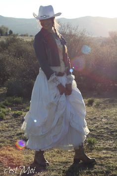 White Romantic Country Western Skirt with by cestMoiLeShoppe