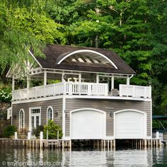 Boathouses to Inspire Your Tiny House Design - Tiny Home Builders Lakefront Property, Lakefront Homes, Backyard Pool Designs, Water House, Floating House, Roof Design, Tiny House Design, Cottage Living, Little Houses