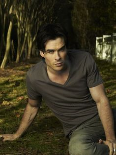 Ian Somerhalder .. He is a Sex God....