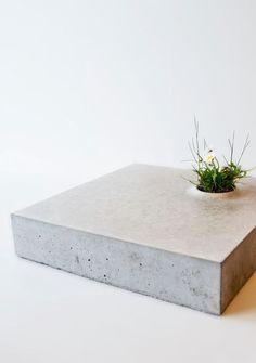 Minimalist concrete planter | Design Caroline Brahme - Grey to green