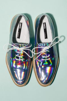 Holographic Oxfords